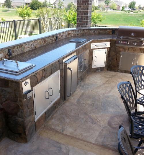 outdoor kitchen 640x480